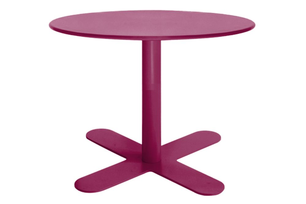 https://res.cloudinary.com/clippings/image/upload/t_big/dpr_auto,f_auto,w_auto/v1553154709/products/antibes-round-coffee-table-with-metal-top-isimar-isimar-clippings-11169518.jpg
