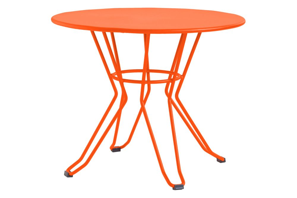 https://res.cloudinary.com/clippings/image/upload/t_big/dpr_auto,f_auto,w_auto/v1553169641/products/capri-round-coffee-table-with-metal-top-isimar-isimar-clippings-11169864.jpg