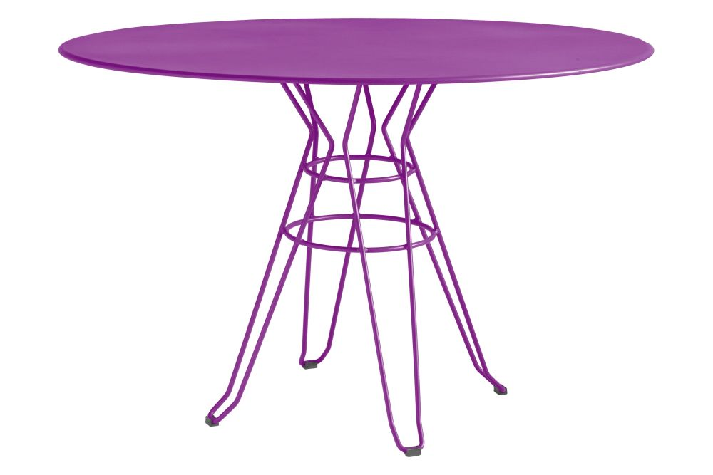 https://res.cloudinary.com/clippings/image/upload/t_big/dpr_auto,f_auto,w_auto/v1553170947/products/capri-round-dining-table-with-metal-top-isimar-isimar-clippings-11169898.jpg