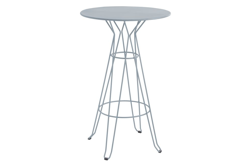 https://res.cloudinary.com/clippings/image/upload/t_big/dpr_auto,f_auto,w_auto/v1553171481/products/capri-round-high-table-with-metal-top-isimar-isimar-clippings-11169908.jpg