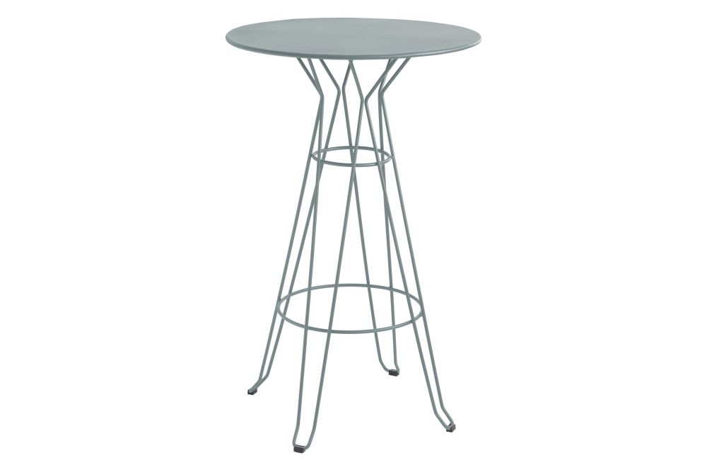 https://res.cloudinary.com/clippings/image/upload/t_big/dpr_auto,f_auto,w_auto/v1553171482/products/capri-round-high-table-with-metal-top-isimar-isimar-clippings-11169922.jpg