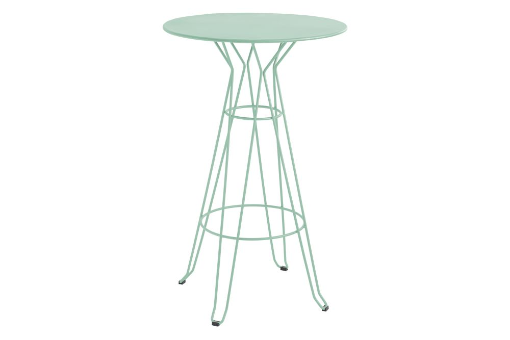 https://res.cloudinary.com/clippings/image/upload/t_big/dpr_auto,f_auto,w_auto/v1553171483/products/capri-round-high-table-with-metal-top-isimar-isimar-clippings-11169919.jpg