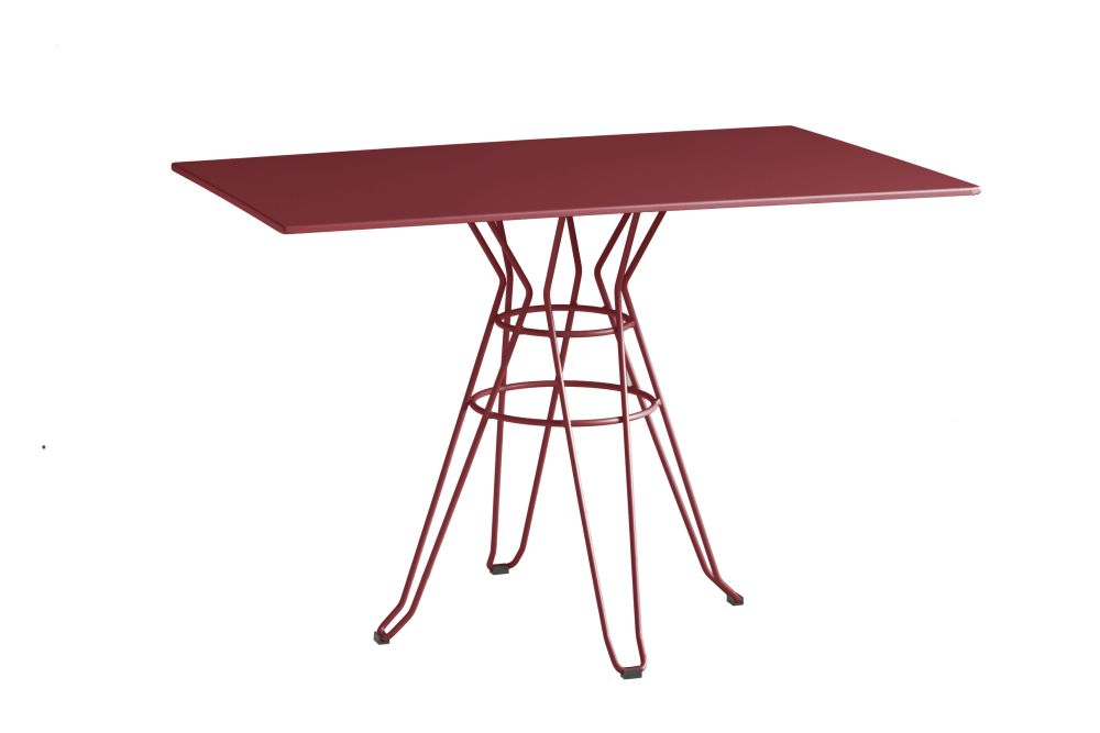 https://res.cloudinary.com/clippings/image/upload/t_big/dpr_auto,f_auto,w_auto/v1553234857/products/capri-rectangular-dining-table-with-metal-top-isimar-isimar-clippings-11170299.jpg