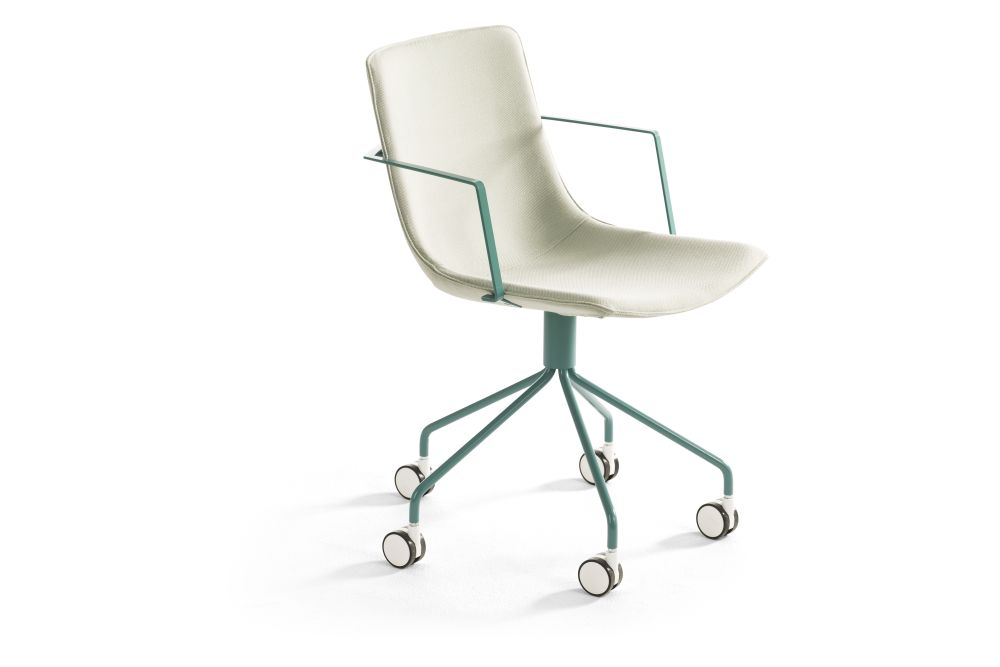 https://res.cloudinary.com/clippings/image/upload/t_big/dpr_auto,f_auto,w_auto/v1553587002/products/comet-sport-armchair-5-feet-swivel-base-on-castors-lammhults-gunilla-allard-clippings-11171642.jpg