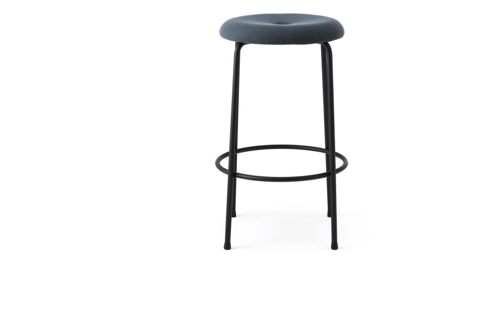 https://res.cloudinary.com/clippings/image/upload/t_big/dpr_auto,f_auto,w_auto/v1553759482/products/taburett-barstool-upholstered-set-of-2-lammhults-edvin-st%C3%A5hl-clippings-11173370.jpg