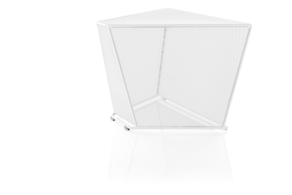 https://res.cloudinary.com/clippings/image/upload/t_big/dpr_auto,f_auto,w_auto/v1553770250/products/area-side-table-lammhults-anya-sebton-clippings-11173862.jpg