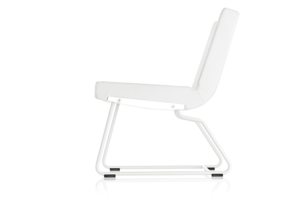 https://res.cloudinary.com/clippings/image/upload/t_big/dpr_auto,f_auto,w_auto/v1553778977/products/a-line-easy-chair-lammhults-anya-sebton-clippings-11174248.jpg