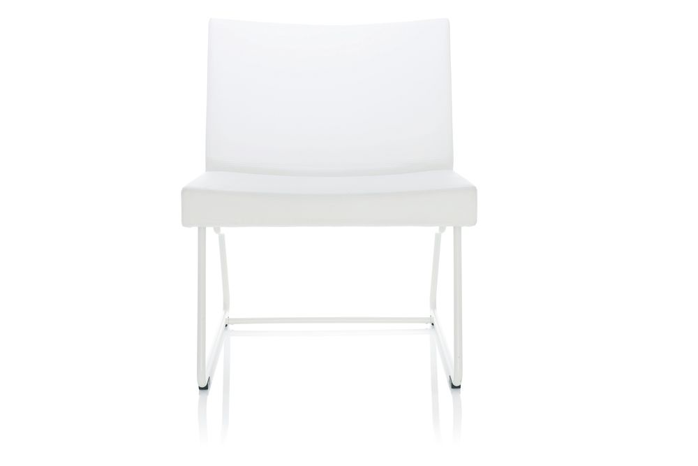 https://res.cloudinary.com/clippings/image/upload/t_big/dpr_auto,f_auto,w_auto/v1553778980/products/a-line-easy-chair-lammhults-anya-sebton-clippings-11174250.jpg