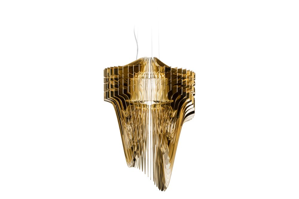 https://res.cloudinary.com/clippings/image/upload/t_big/dpr_auto,f_auto,w_auto/v1553833957/products/aria-gold-suspension-light-slamp-zaha-hadid-clippings-11175045.jpg