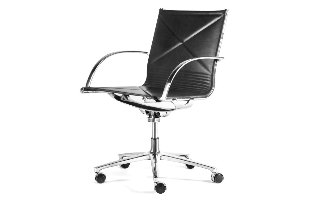 https://res.cloudinary.com/clippings/image/upload/t_big/dpr_auto,f_auto,w_auto/v1554448041/products/joint-1211-armchair-upholstered-front-and-back-engelbrechts-anders-hermansen-clippings-11183891.jpg