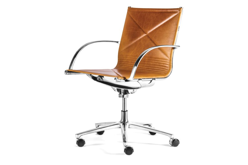 https://res.cloudinary.com/clippings/image/upload/t_big/dpr_auto,f_auto,w_auto/v1554448041/products/joint-1211-armchair-upholstered-front-and-back-engelbrechts-anders-hermansen-clippings-11183892.jpg