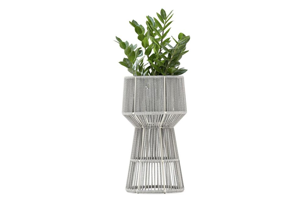 https://res.cloudinary.com/clippings/image/upload/t_big/dpr_auto,f_auto,w_auto/v1554824471/products/tibidabo-loop-flower-pot-flower-pot-4708-silk-grey-varaschin-calvi-brambilla-clippings-11185624.jpg