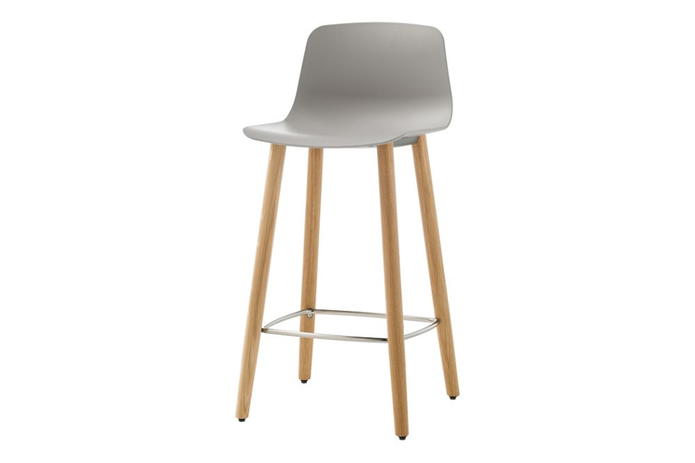https://res.cloudinary.com/clippings/image/upload/t_big/dpr_auto,f_auto,w_auto/v1554966519/products/varya-barstool-4-wooden-base-inclass-simon-pengelly-clippings-11186384.jpg