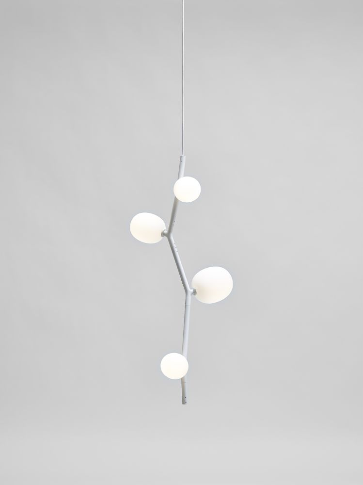 https://res.cloudinary.com/clippings/image/upload/t_big/dpr_auto,f_auto,w_auto/v1555682187/products/ivy-pendant-light-brokis-clippings-11189612.jpg