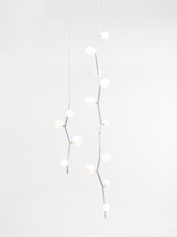 https://res.cloudinary.com/clippings/image/upload/t_big/dpr_auto,f_auto,w_auto/v1555682188/products/ivy-pendant-light-brokis-clippings-11189616.jpg