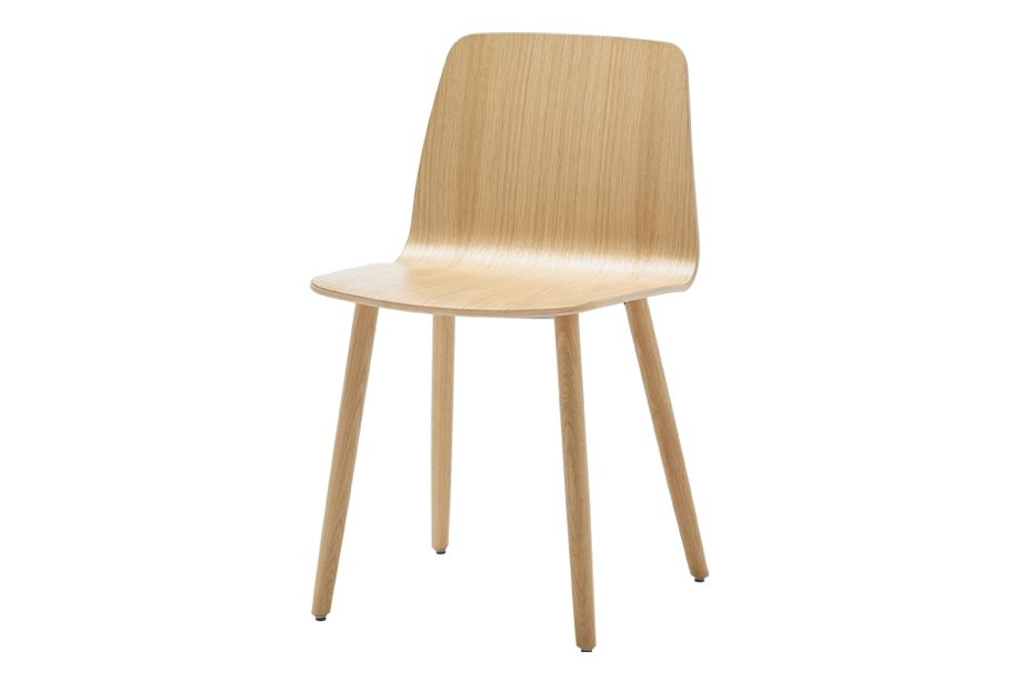 https://res.cloudinary.com/clippings/image/upload/t_big/dpr_auto,f_auto,w_auto/v1556181951/products/varya-wood-dining-chair-4-wooden-base-inclass-simon-pengelly-clippings-11192118.jpg