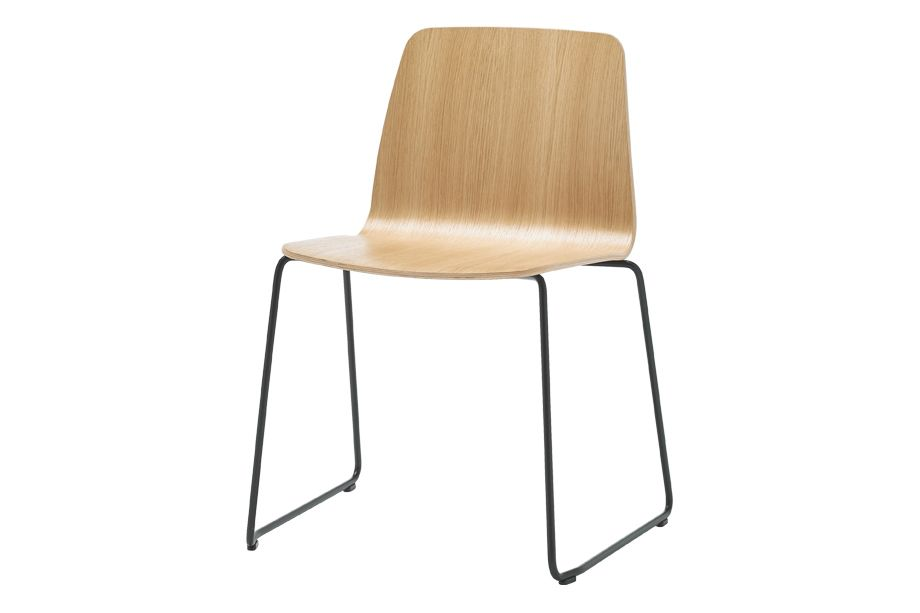 https://res.cloudinary.com/clippings/image/upload/t_big/dpr_auto,f_auto,w_auto/v1556259580/products/varya-wood-dining-chair-sled-base-inclass-simon-pengelly-clippings-11193525.jpg