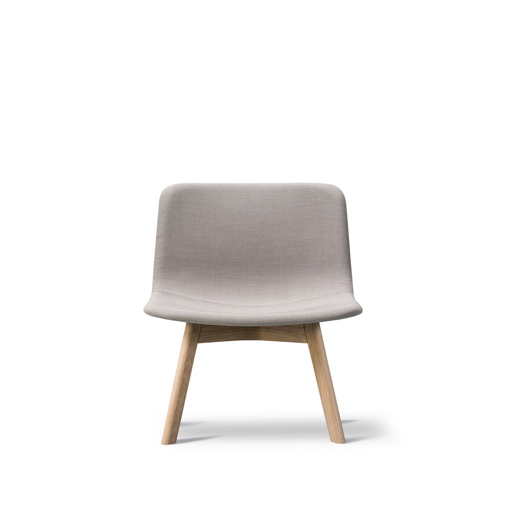 https://res.cloudinary.com/clippings/image/upload/t_big/dpr_auto,f_auto,w_auto/v1557468409/products/pato-lounge-wood-base-chair-fredericia-wellingludvik-clippings-11199792.jpg
