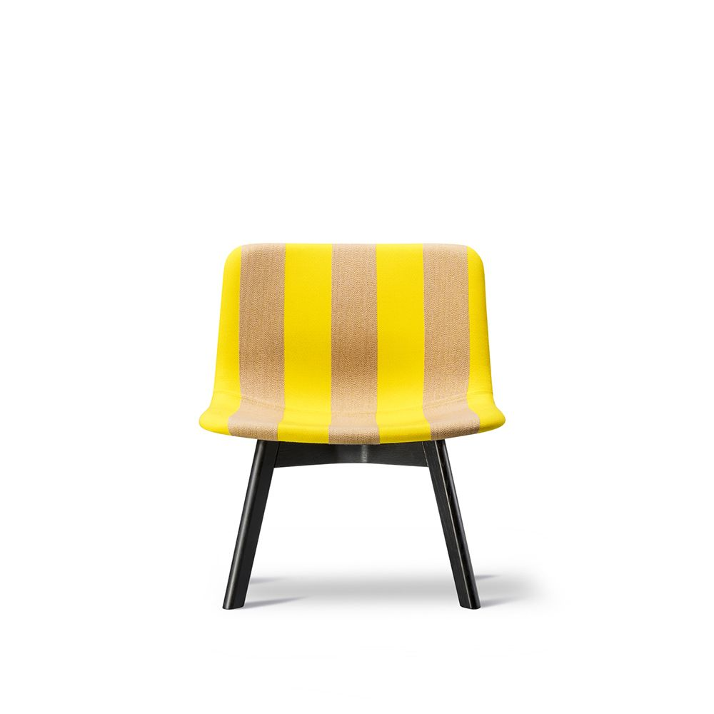 https://res.cloudinary.com/clippings/image/upload/t_big/dpr_auto,f_auto,w_auto/v1557468409/products/pato-lounge-wood-base-chair-fredericia-wellingludvik-clippings-11199793.jpg