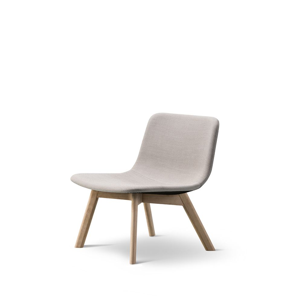 https://res.cloudinary.com/clippings/image/upload/t_big/dpr_auto,f_auto,w_auto/v1557468410/products/pato-lounge-wood-base-chair-fredericia-wellingludvik-clippings-11199794.jpg