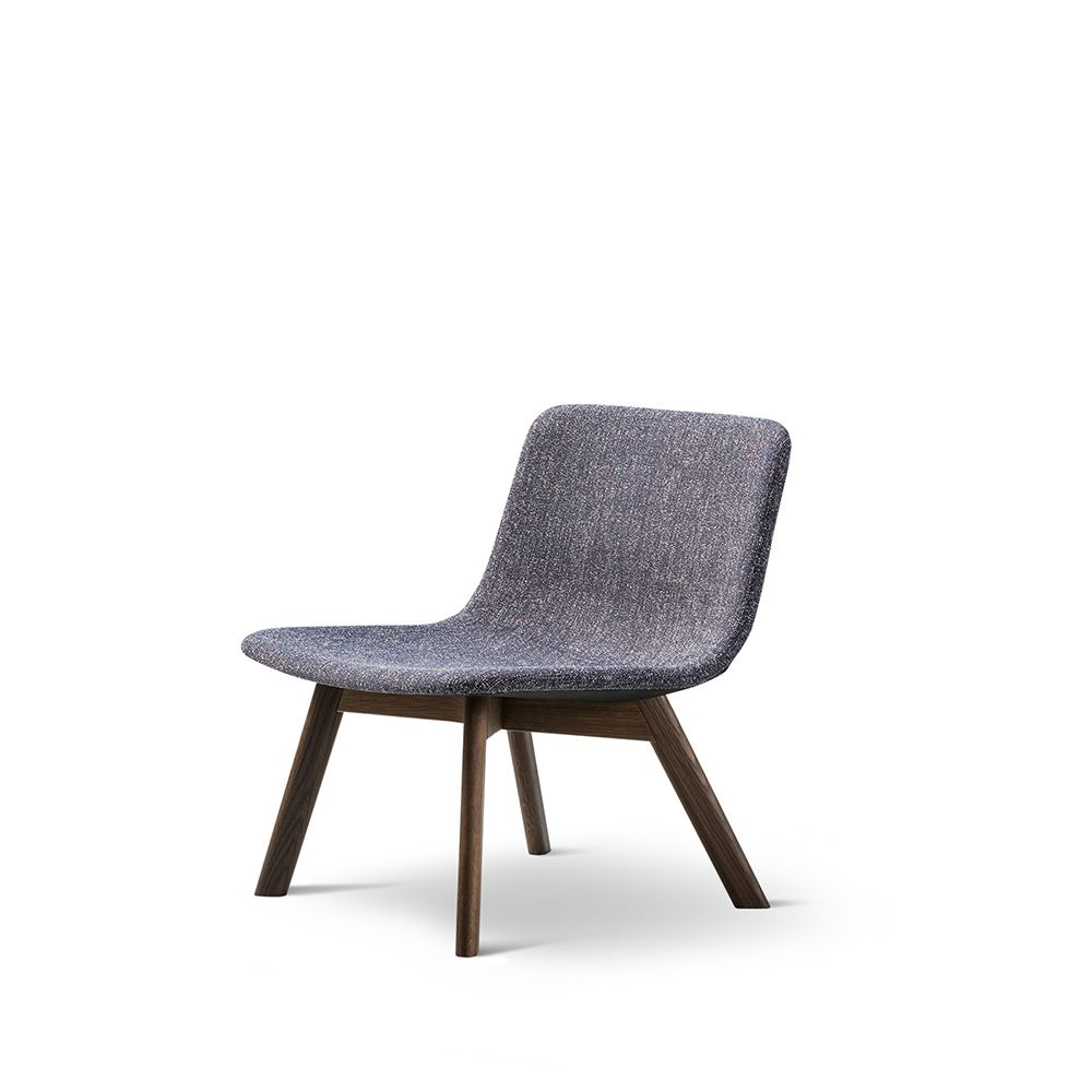 https://res.cloudinary.com/clippings/image/upload/t_big/dpr_auto,f_auto,w_auto/v1557468410/products/pato-lounge-wood-base-chair-fredericia-wellingludvik-clippings-11199797.jpg