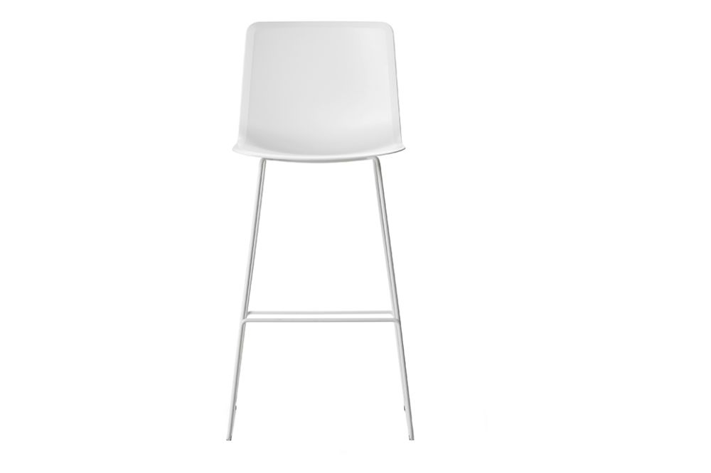 https://res.cloudinary.com/clippings/image/upload/t_big/dpr_auto,f_auto,w_auto/v1557748255/products/pato-sledge-stool-bar-and-counter-height-fredericia-wellingludvik-clippings-11201305.jpg
