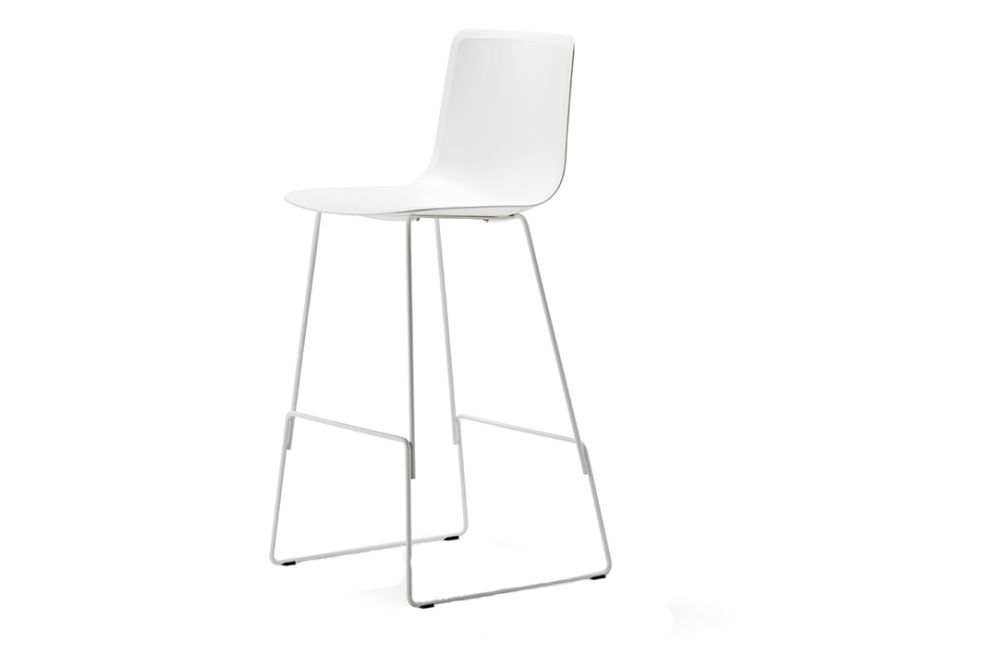 https://res.cloudinary.com/clippings/image/upload/t_big/dpr_auto,f_auto,w_auto/v1557748258/products/pato-sledge-stool-bar-and-counter-height-fredericia-wellingludvik-clippings-11201306.jpg