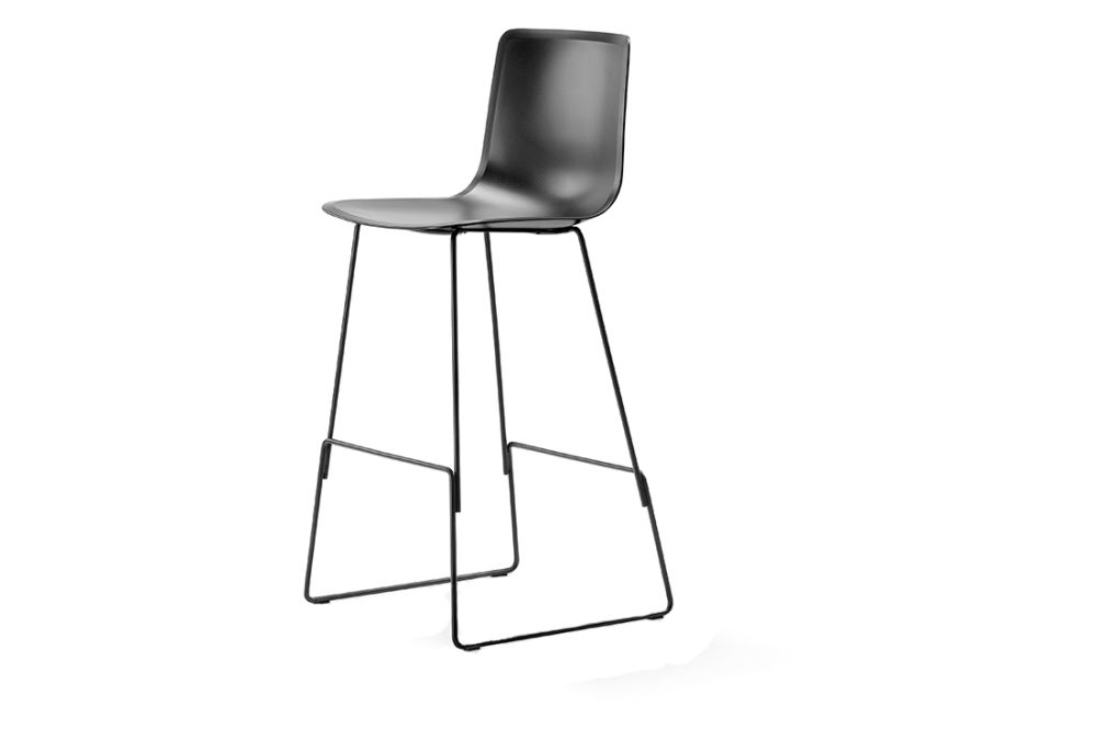 https://res.cloudinary.com/clippings/image/upload/t_big/dpr_auto,f_auto,w_auto/v1557749520/products/pato-sledge-stool-bar-and-counter-height-fredericia-wellingludvik-clippings-11201340.jpg