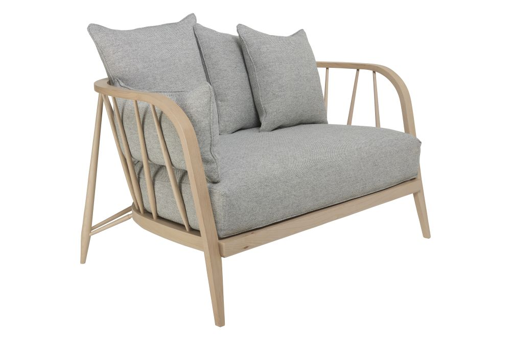https://res.cloudinary.com/clippings/image/upload/t_big/dpr_auto,f_auto,w_auto/v1557900214/products/nest-small-sofa-ercol-clippings-10968921.jpg