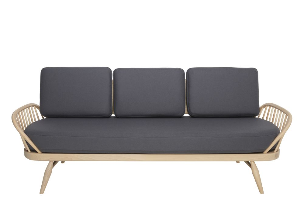 couch,furniture,outdoor furniture,outdoor sofa,sofa bed,studio couch