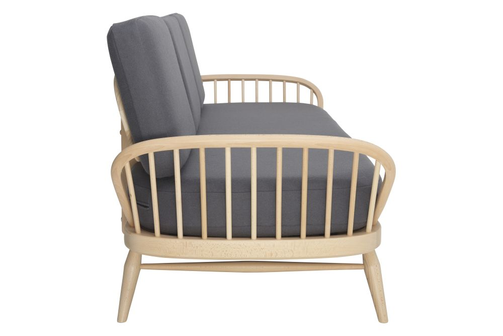 https://res.cloudinary.com/clippings/image/upload/t_big/dpr_auto,f_auto,w_auto/v1557906798/products/originals-studio-couch-ercol-clippings-10972761.jpg