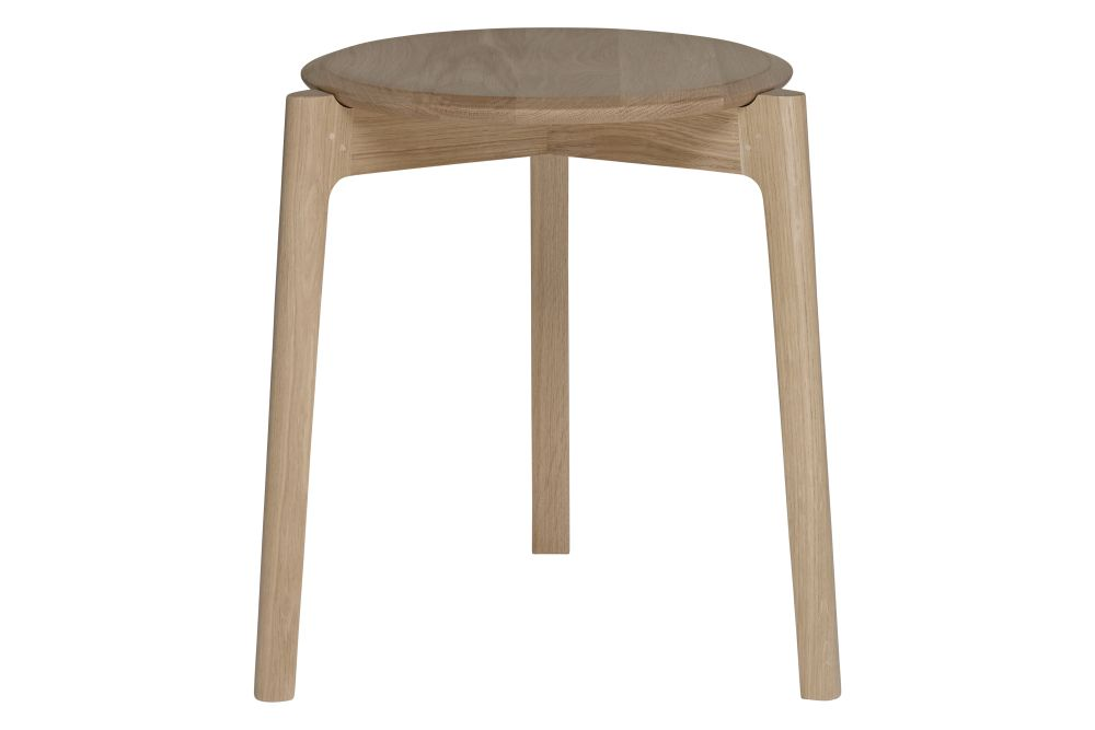 https://res.cloudinary.com/clippings/image/upload/t_big/dpr_auto,f_auto,w_auto/v1557908315/products/svelto-round-stacking-stool-ercol-clippings-10997421.jpg