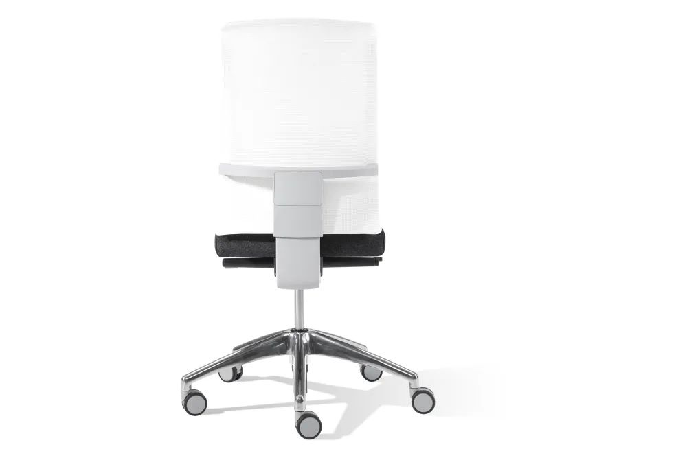 https://res.cloudinary.com/clippings/image/upload/t_big/dpr_auto,f_auto,w_auto/v1557982835/products/air-chair-with-mesh-backrest-on-castors-inclass-jean-louis-iratzoki-clippings-11202669.webp