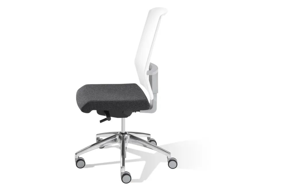 https://res.cloudinary.com/clippings/image/upload/t_big/dpr_auto,f_auto,w_auto/v1557982835/products/air-chair-with-mesh-backrest-on-castors-inclass-jean-louis-iratzoki-clippings-11202671.webp