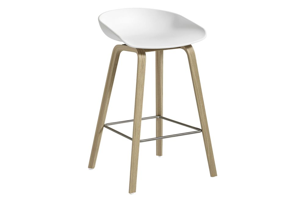 https://res.cloudinary.com/clippings/image/upload/t_big/dpr_auto,f_auto,w_auto/v1558104997/products/aas-32-low-stool-hay-hee-welling-clippings-11204579.jpg
