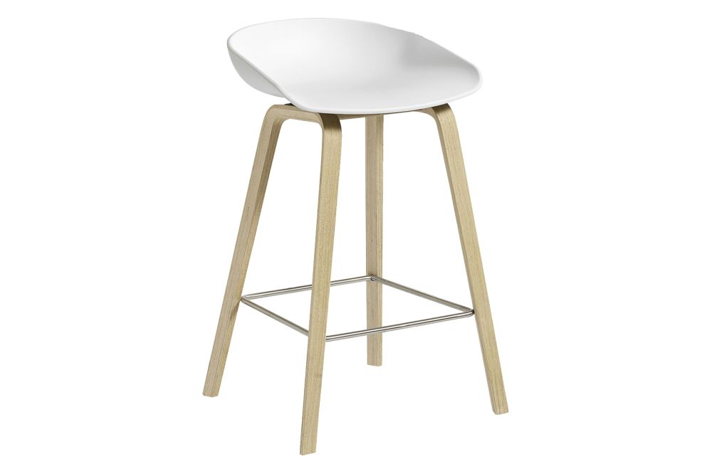 https://res.cloudinary.com/clippings/image/upload/t_big/dpr_auto,f_auto,w_auto/v1558104998/products/aas-32-low-stool-hay-hee-welling-clippings-11204574.jpg
