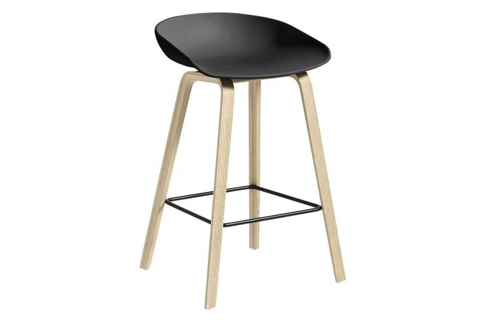 https://res.cloudinary.com/clippings/image/upload/t_big/dpr_auto,f_auto,w_auto/v1558104998/products/aas-32-low-stool-hay-hee-welling-clippings-11204586.jpg