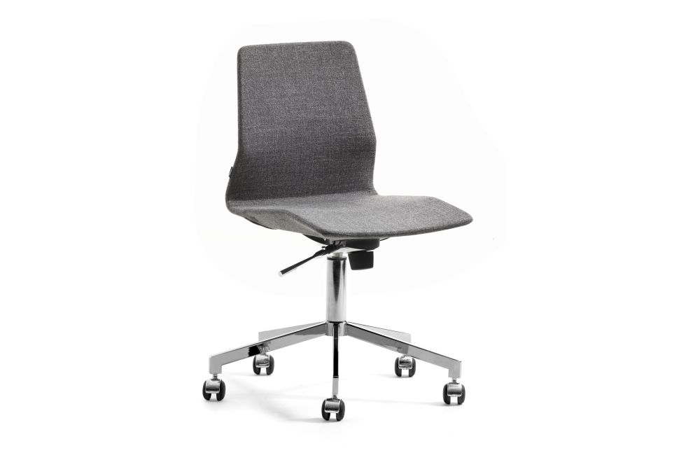 https://res.cloudinary.com/clippings/image/upload/t_big/dpr_auto,f_auto,w_auto/v1558516336/products/pilot-wa-low-05-46-chair-swivel-base-on-castors-johanson-alexander-lervik-clippings-11211441.jpg