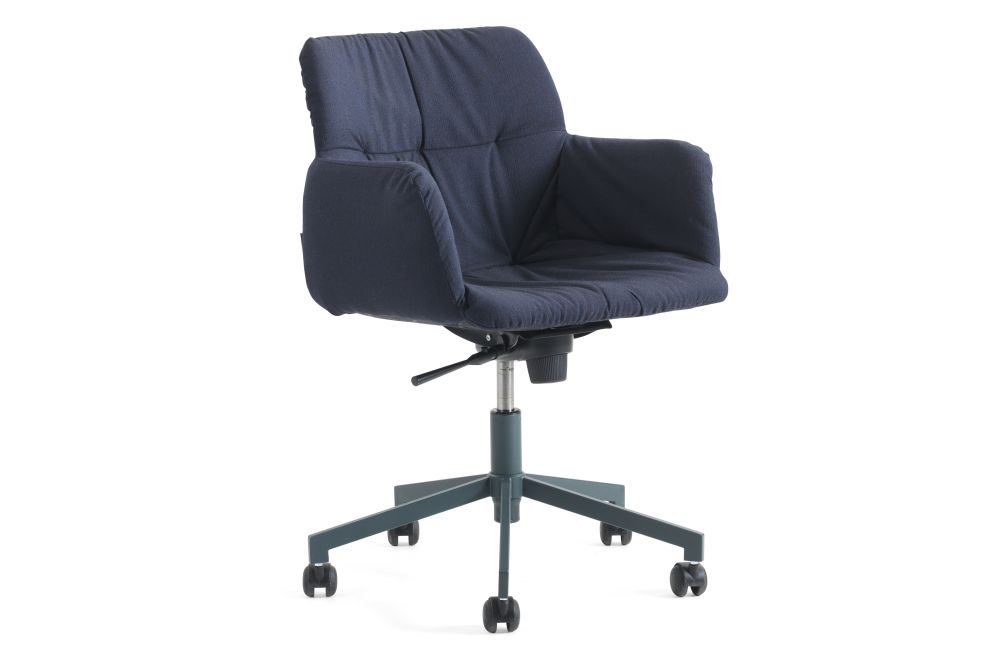 https://res.cloudinary.com/clippings/image/upload/t_big/dpr_auto,f_auto,w_auto/v1558609429/products/haddoc-oyster-05-46-armchair-on-castors-johanson-johan-lindst%C3%A9n-clippings-11211974.jpg