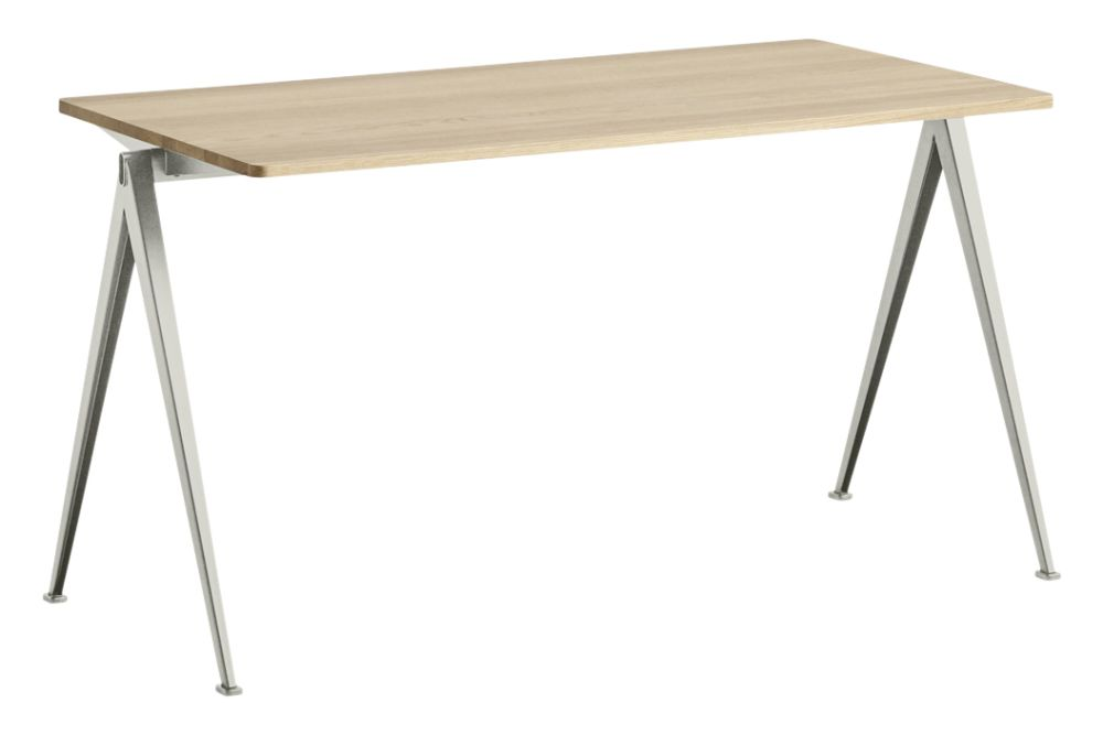 https://res.cloudinary.com/clippings/image/upload/t_big/dpr_auto,f_auto,w_auto/v1558617743/products/pyramid-01-dining-table-hay-wim-rietveld-clippings-11212044.jpg
