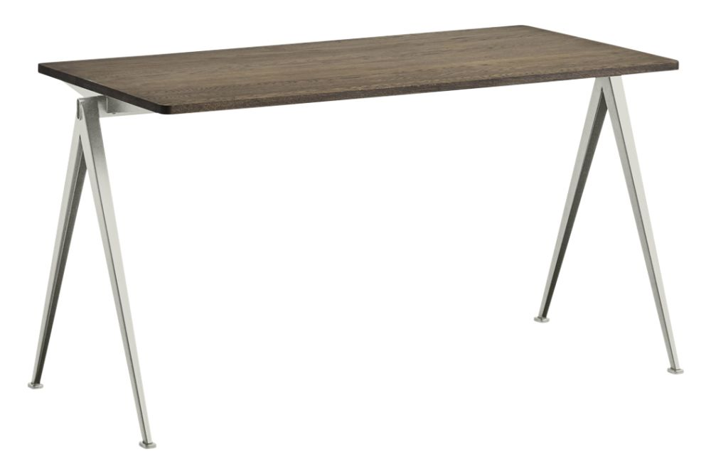 https://res.cloudinary.com/clippings/image/upload/t_big/dpr_auto,f_auto,w_auto/v1558617744/products/pyramid-01-dining-table-hay-wim-rietveld-clippings-11212049.jpg