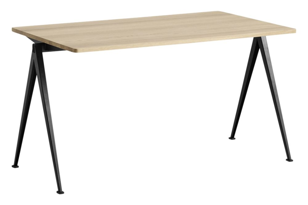 https://res.cloudinary.com/clippings/image/upload/t_big/dpr_auto,f_auto,w_auto/v1558617744/products/pyramid-01-dining-table-hay-wim-rietveld-clippings-11212050.jpg
