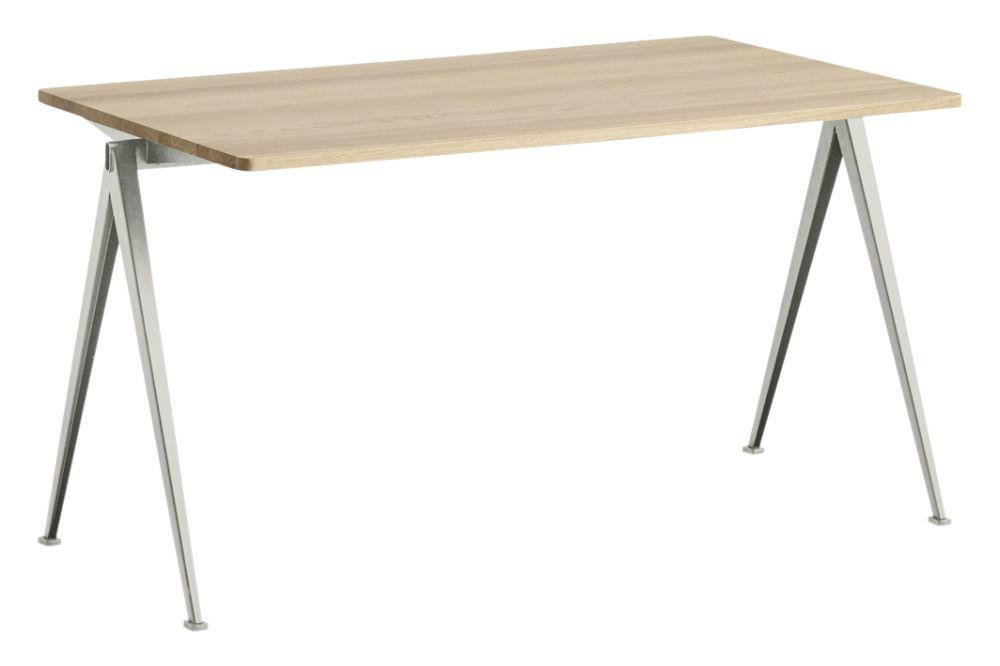https://res.cloudinary.com/clippings/image/upload/t_big/dpr_auto,f_auto,w_auto/v1558617744/products/pyramid-01-dining-table-hay-wim-rietveld-clippings-11212051.jpg