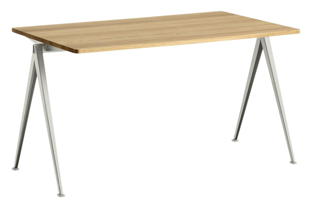 https://res.cloudinary.com/clippings/image/upload/t_big/dpr_auto,f_auto,w_auto/v1558617744/products/pyramid-01-dining-table-hay-wim-rietveld-clippings-11212052.jpg