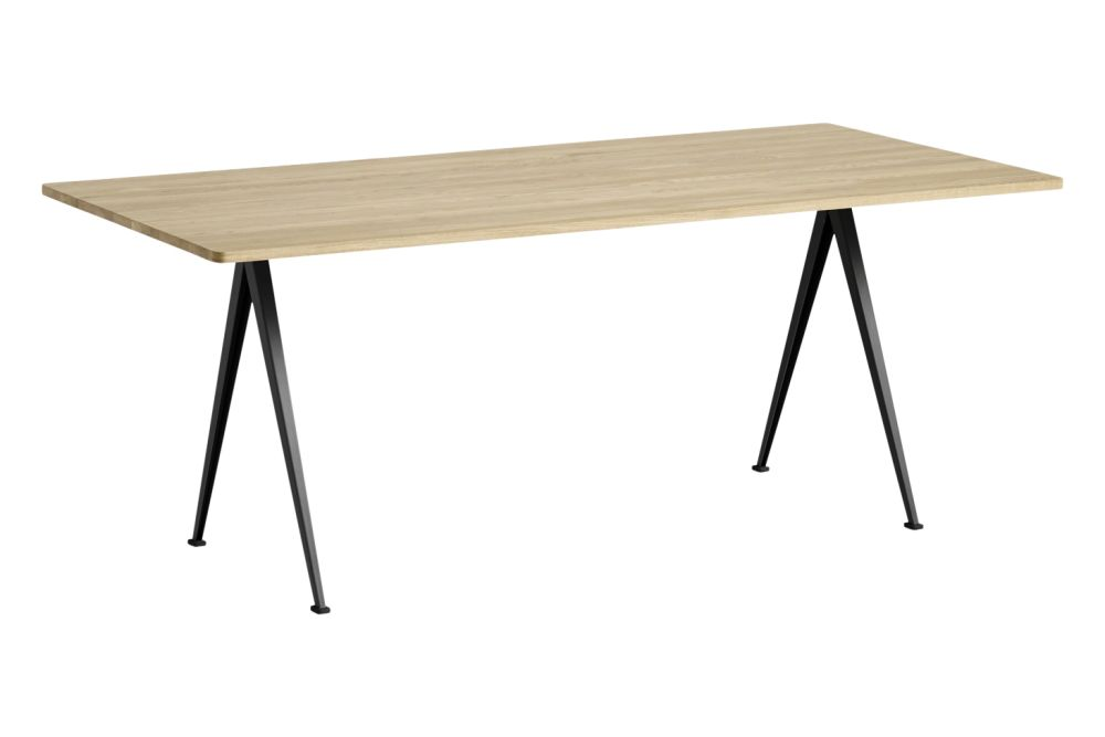 https://res.cloudinary.com/clippings/image/upload/t_big/dpr_auto,f_auto,w_auto/v1558621741/products/pyramid-02-dining-table-hay-wim-rietveld-clippings-11212137.jpg
