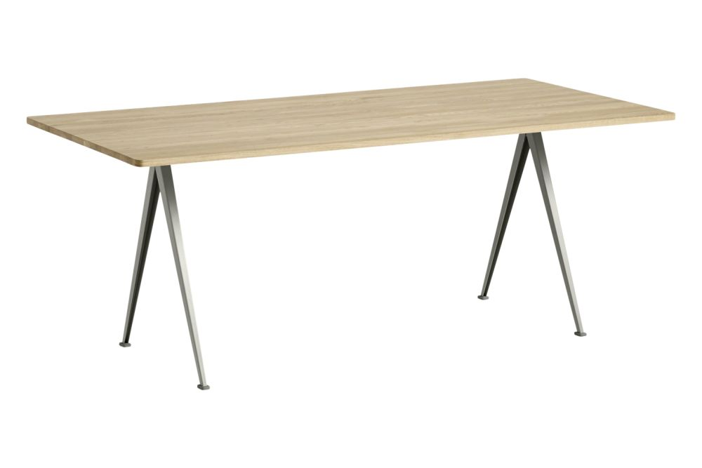 https://res.cloudinary.com/clippings/image/upload/t_big/dpr_auto,f_auto,w_auto/v1558621743/products/pyramid-02-dining-table-hay-wim-rietveld-clippings-11212138.jpg