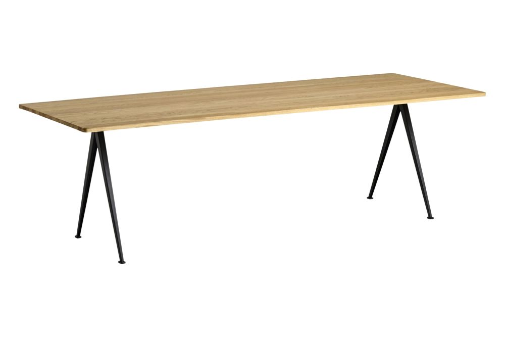 https://res.cloudinary.com/clippings/image/upload/t_big/dpr_auto,f_auto,w_auto/v1558621750/products/pyramid-02-dining-table-hay-wim-rietveld-clippings-11212141.jpg