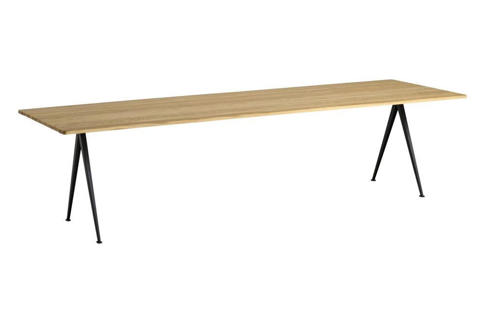 https://res.cloudinary.com/clippings/image/upload/t_big/dpr_auto,f_auto,w_auto/v1558621751/products/pyramid-02-dining-table-hay-wim-rietveld-clippings-11212147.jpg