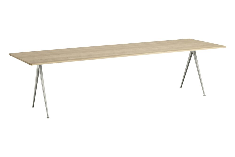 https://res.cloudinary.com/clippings/image/upload/t_big/dpr_auto,f_auto,w_auto/v1558621753/products/pyramid-02-dining-table-hay-wim-rietveld-clippings-11212150.jpg