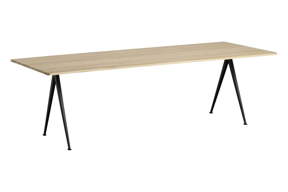 https://res.cloudinary.com/clippings/image/upload/t_big/dpr_auto,f_auto,w_auto/v1558621754/products/pyramid-02-dining-table-hay-wim-rietveld-clippings-11212151.jpg